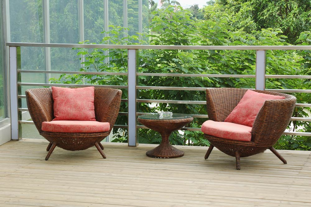 43 - 5 Outdoor Decks We'd Love to Lounge On