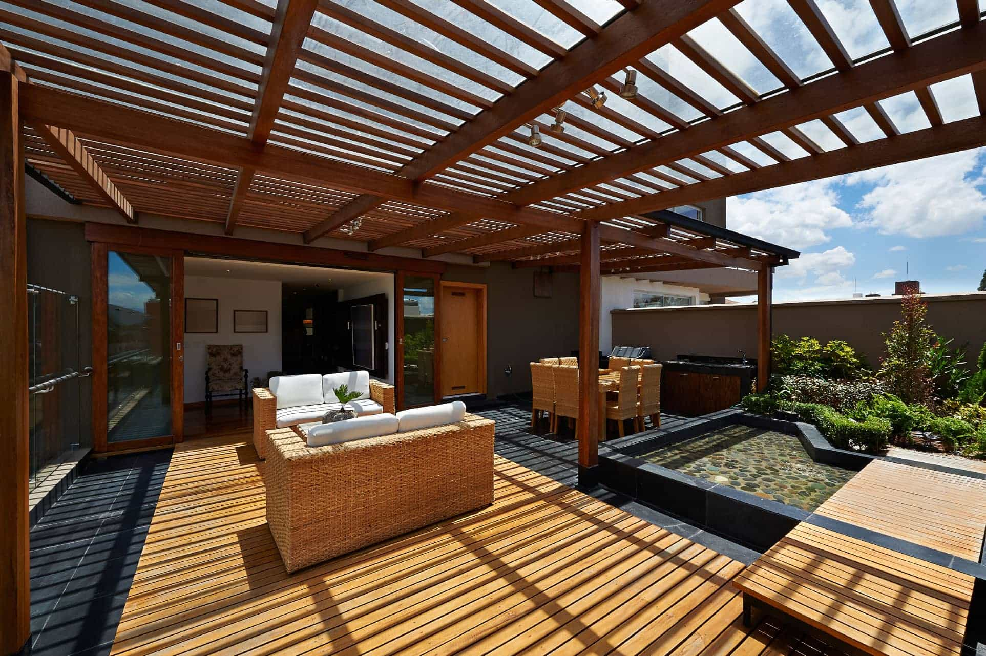 Outdoor room shading